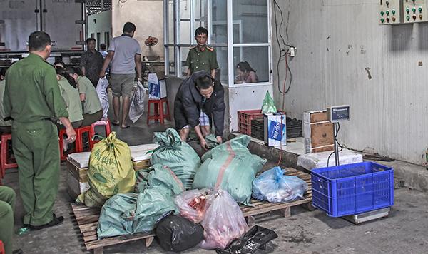 Phát hiện 31 tấn thực phẩm 'bẩn' ở Cần Thơ