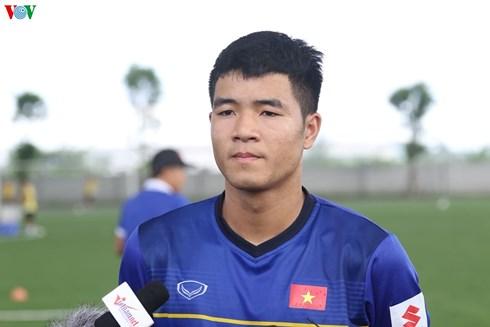 """Hà Đức Chinh: """"Tự tin cạnh tranh suất đá chính cho Olympic Việt Nam"""""""