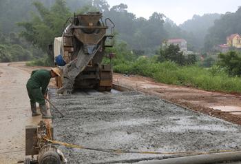 Cần đẩy nhanh tiến độ dự án đường Hữu Nghị - Bảo Lâm