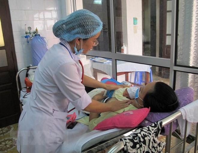 73% trẻ mới sinh ở Việt Nam được ăn sữa mẹ sớm sau sinh