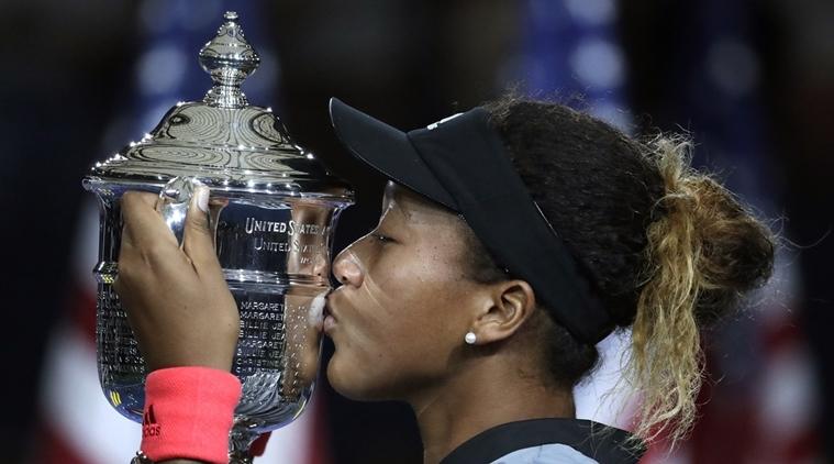 """Hạ gục """"thần tượng"""" Serena, Naomi Osaka đăng quang Mỹ mở rộng"""