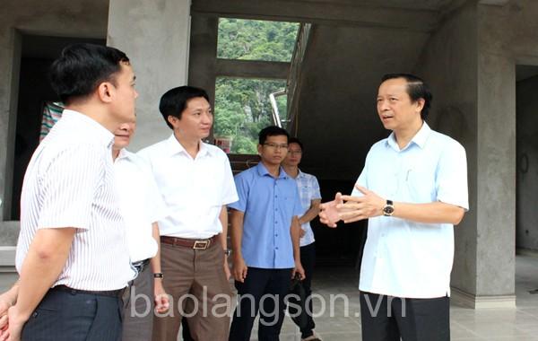 Chủ tịch UBND tỉnh kiểm tra tiến độ xây dựng nông thôn mới tại Bình Gia