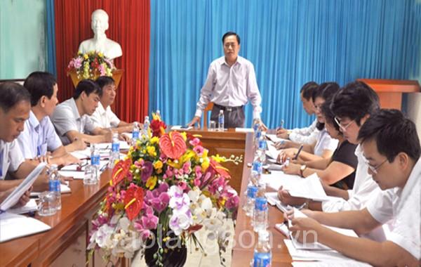 Lãnh đạo UBND tỉnh làm việc với Trung tâm Huấn luyện và Thi đấu TDTT