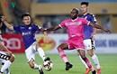 Tạm hoãn V-League và các trận bóng đá ở Việt Nam