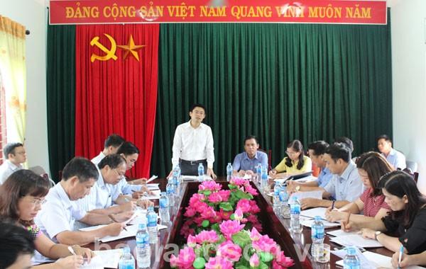 Kiểm tra công tác xây dựng nông thôn mới tại Văn Quan