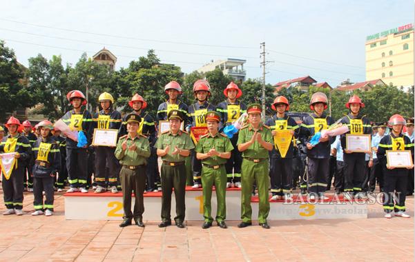 Công an tỉnh tổ chức hội thi nghiệp vụ chữa cháy, cứu nạn, cứu hộ