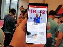 """Bkav công bố smartphone không """"virus,' màn hình tràn đáy"""