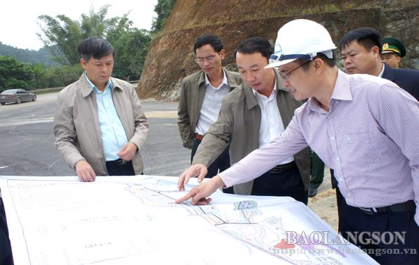 Lãnh đạo UBND tỉnh Lạng Sơn kiểm tra  quy hoạch, công trình tại cửa khẩu Tân Thanh