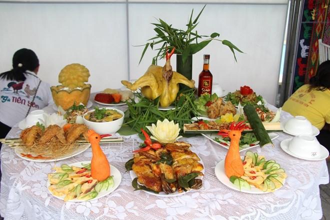 Quảng Ninh: Khai mạc lễ hội ẩm thực đặc sản gà Tiên Yên