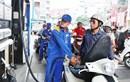 Giá xăng giảm nhẹ từ 15h00 hôm nay