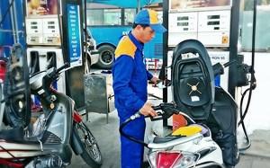 Giá xăng giảm mạnh từ 15h00 chiều nay
