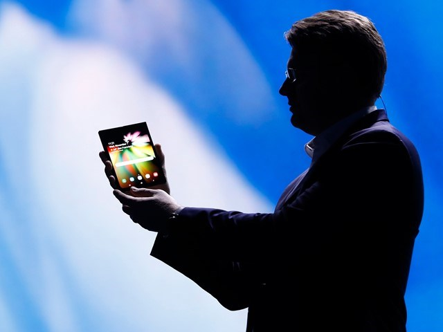 Samsung sẽ sản xuất ít nhất 1 triệu chiếc điện thoại màn hình gập