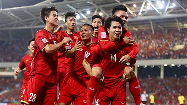 Việt Nam thắng Malaysia trong đêm Mỹ Đình rực lửa