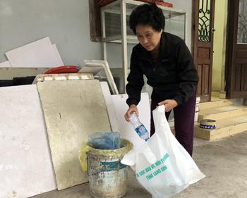 Hạn chế rác thải nhựa: Cần sự chủ động từ người dân