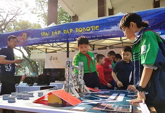 Thi lắp ráp robot cùng trẻ em