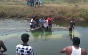 Tai nạn xe buýt thảm khốc làm hơn 50 người thương vong ở Ấn Độ