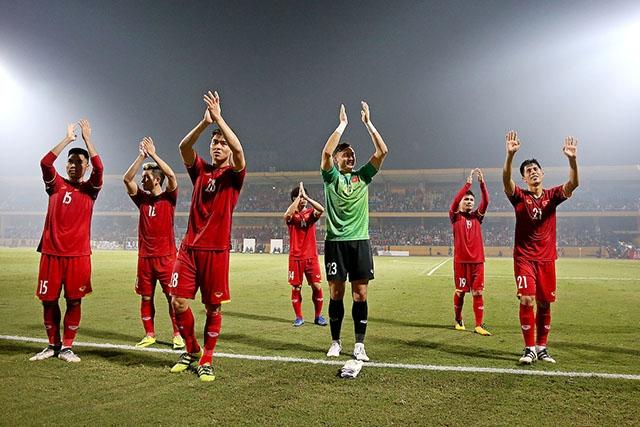 Bóng đá Việt Nam trở lại top 100 thế giới sau bảy năm