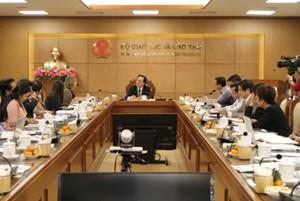 Bộ trưởng Phùng Xuân Nhạ: 'Xóa mù' tiếng Anh, không nặng bằng cấp