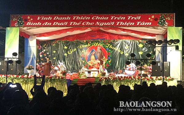 Thành phố Lạng Sơn: Rộn ràng đêm Noel