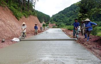 Phát triển giao thông nông thôn: Khi người dân chung sức