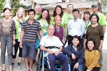Quan tâm chăm sóc người khuyết tật, trẻ mồ côi