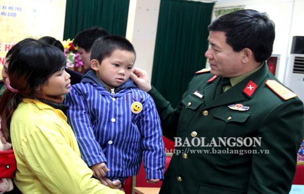 Lạng Sơn: Phẫu thuật miễn phí cho 18 trẻ em  bị dị tật hở khe môi, vòm họng
