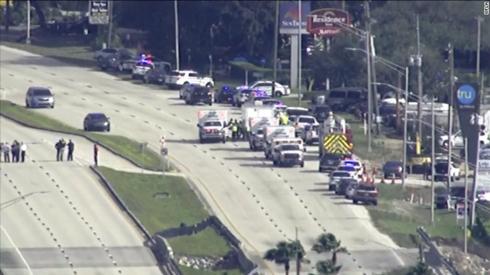 Xả súng tại ngân hàng trung tâm Florida, 5 người chết