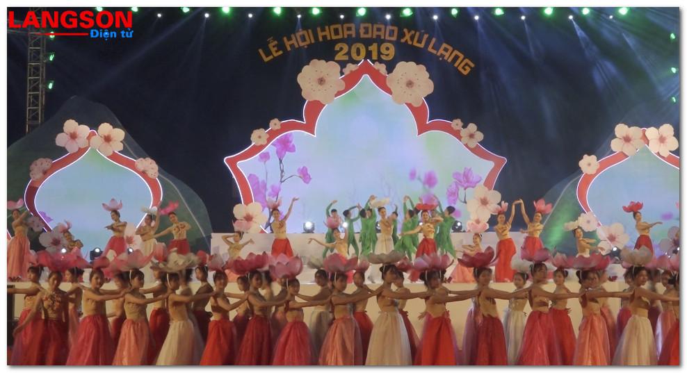 Khai mạc lễ hội hoa đào Xứ Lạng lần thứ II - xuân Kỷ Hợi 2019
