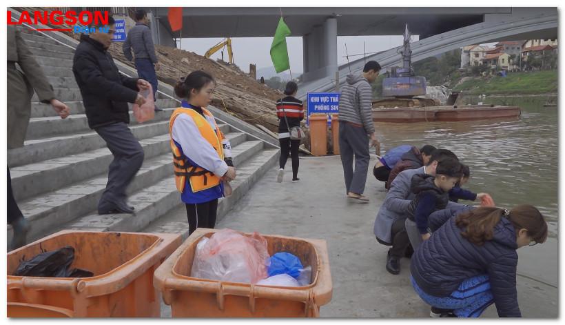 Thành phố Lạng Sơn: Đảm bảo vệ sinh môi trường trong ngày Tết ông Công, ông Táo