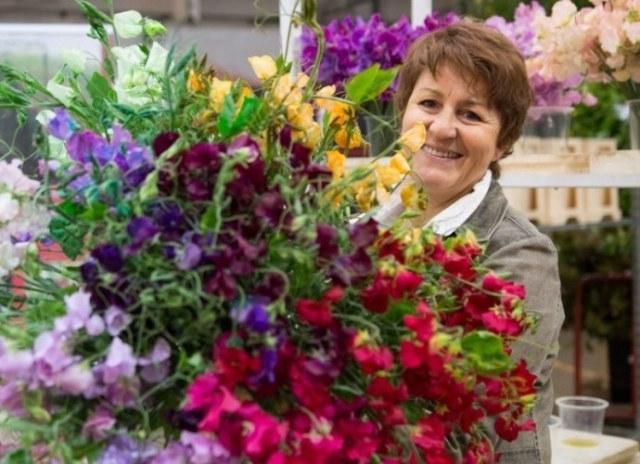 Chợ hoa rực rỡ sắc màu ở Paris