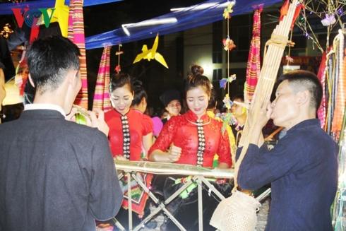 Duyên dáng điệu hát giao duyên của người Thái Mường Lò