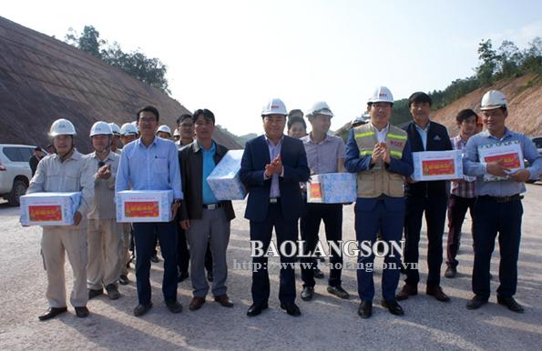 Lãnh đạo UBND tỉnh động viên ra quân đầu xuân dự án đường cao tốc Bắc Giang-Lạng Sơn