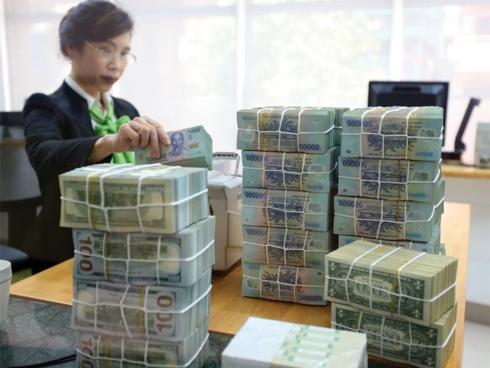 Ngân hàng ồ ạt tăng lãi suất tiền gửi sau Tết Nguyên đán