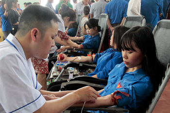 Công tác chữ thập đỏ trường học: Góp phần giáo dục truyền thống tương thân tương ái