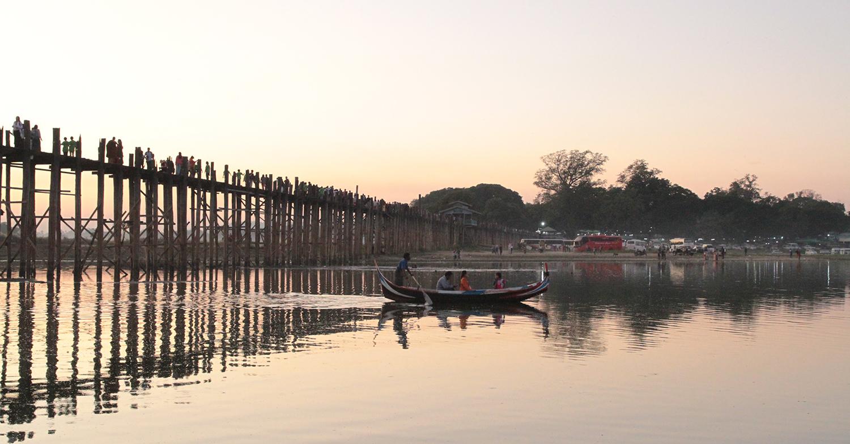 Dạo bước ở Mandalay cổ kính và thơ mộng