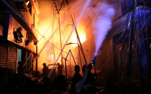 Số người chết trong vụ cháy ở thủ đô Bangladesh tăng lên 70 người