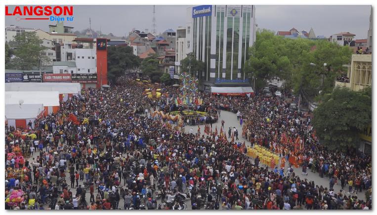 Lạng Sơn tưng bừng lễ hội xuân