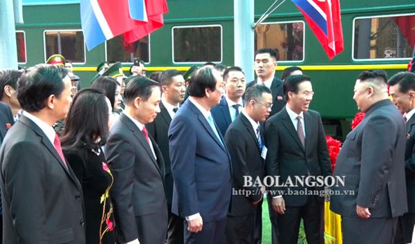 Hình ảnh đầu tiên của ông Kim Jong-un  tại Ga Quốc tế Đồng Đăng