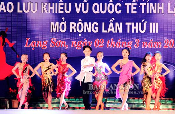 20 câu lạc bộ tham gia giao lưu khiêu vũ quốc tế
