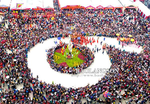 Ấn tượng lễ hội đền Kỳ Cùng - Tả Phủ năm 2019