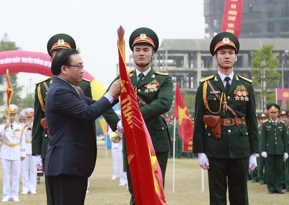 Phát huy truyền thống vẻ vang của lực lựng vũ trang Thủ đô