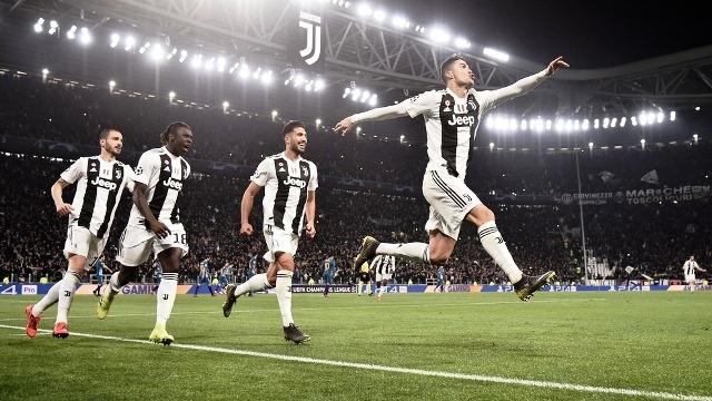 """C. Ronaldo đưa Juventus vào tứ kết, Man City """"hủy diệt"""" Schalke"""