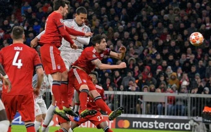 Liverpool và Barcelona đại thắng