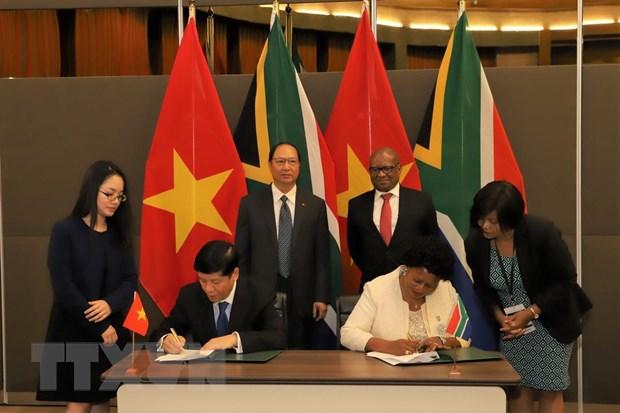 Việt Nam-Nam Phi tăng cường quan hệ hữu nghị và hợp tác toàn diện