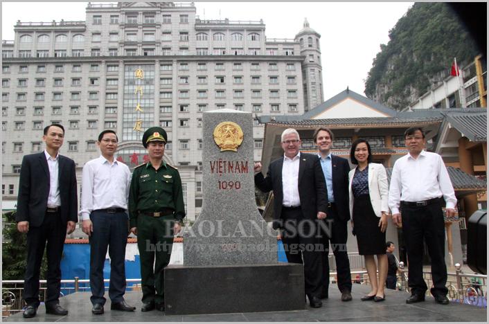 Đại sứ quán Australia thăm và tìm hiểu về kinh tế cửa khẩu của Lạng Sơn