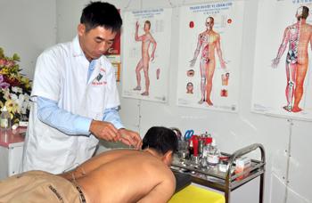 Hội Đông y Hữu Lũng: Chăm sóc sức khoẻ nhân dân