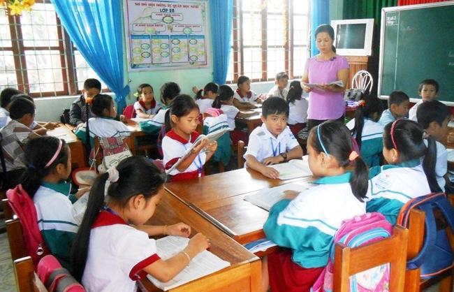 Huy động nguồn lực xây dựng trường tiểu học đạt chuẩn quốc gia