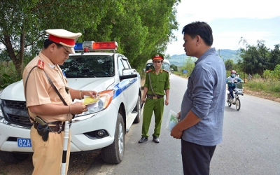 Ðề xuất tăng nặng chế tài xử phạt vi phạm