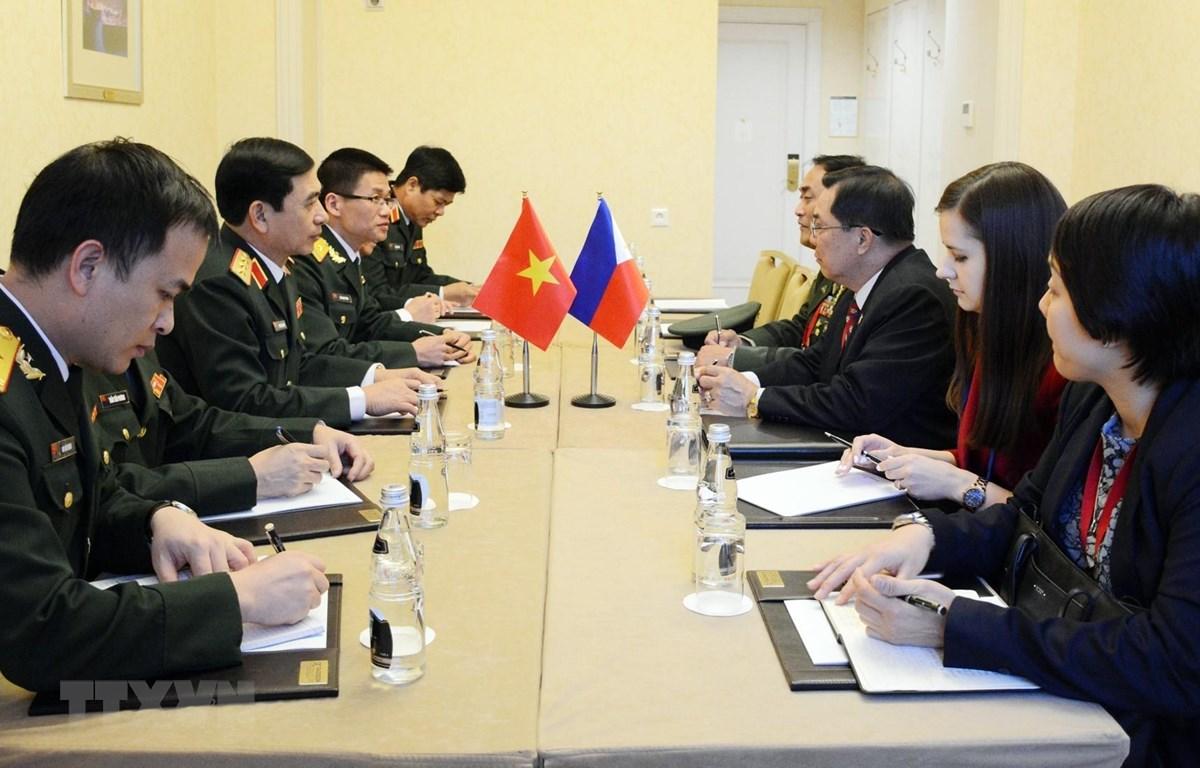 Thượng tướng Phan Văn Giang gặp lãnh đạo quân đội Nga và Philippines