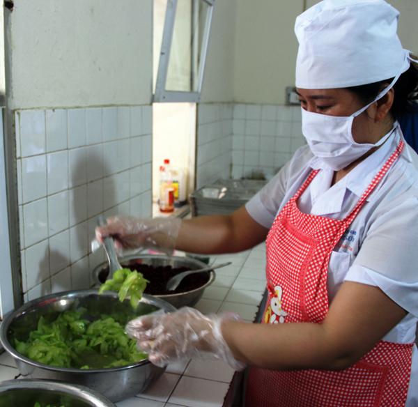 Bệnh viện Đa khoa tỉnh: Đảm bảo vệ sinh an toàn thực phẩm tại nhà ăn bệnh viện